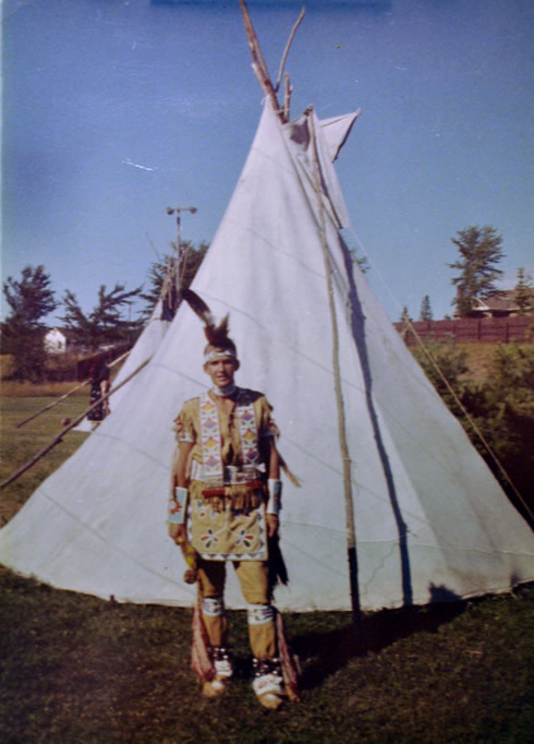 Gregg Guthrie at the Indian Bowl in 1957. Although the wigwam was the most common Ojibwe dwelling, the teepee was occasionally used for shelter. (Courtesy George W. Brown, Jr. Museum)